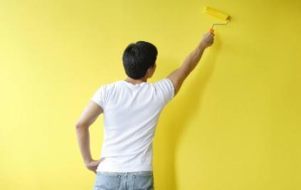 刷完乳胶漆为什么要闷几天(乳胶漆刷了多久可以通风)