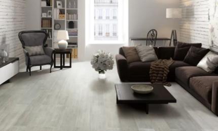 地板上有椅子印怎么处理(木地板上用什么椅子不会划破)