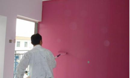 乳胶漆刷墙一公斤能刷几平方(一桶乳胶漆能用多少平)