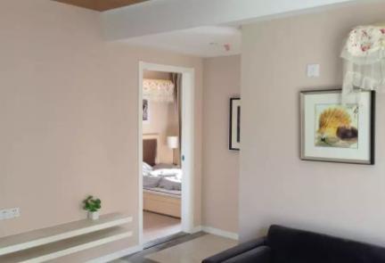乳胶漆和墙布哪个更耐用(乳胶漆和墙布怎么选)