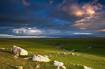 内蒙古10月份的温度是多少(十月份的内蒙古天气怎么样)