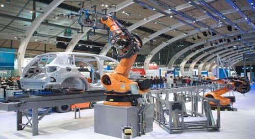 汽车制造商已经开始使用新一代技术对汽车进行消毒