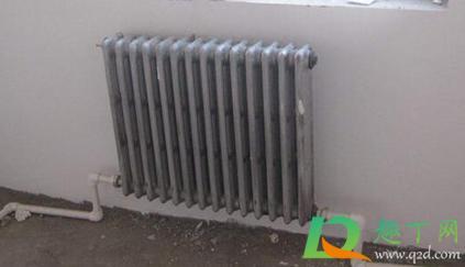 老式暖气片和新式暖气片的区别(老暖气片不热解决办法怎么办)